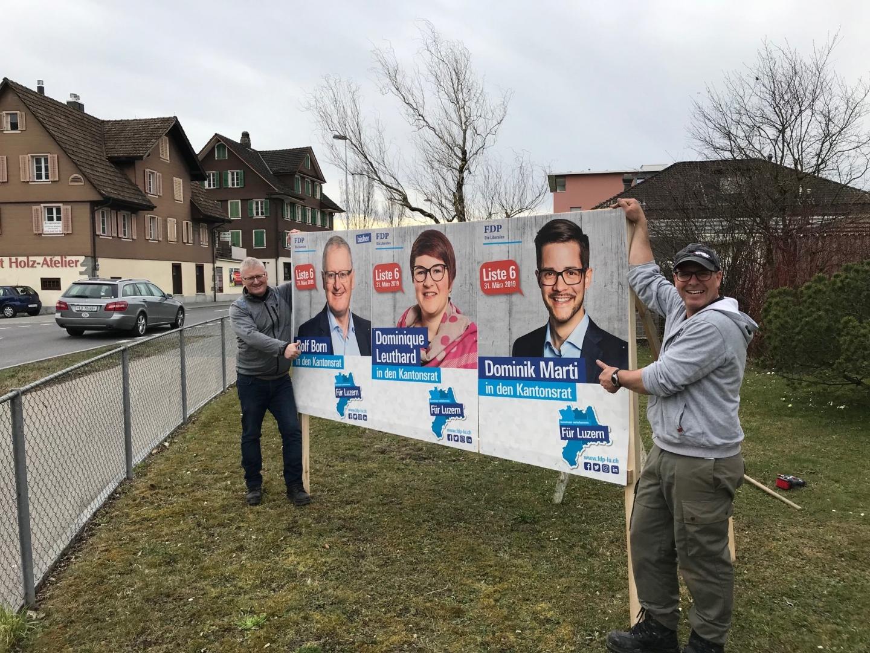 Die Plakate stehen nun auch in Emmen